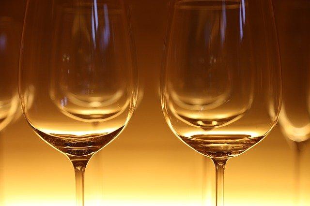 klasické sklenice na víno