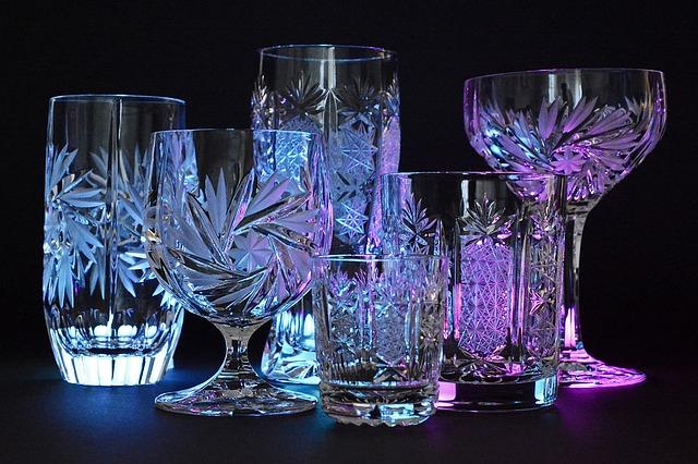 sklenice z broušeného skla