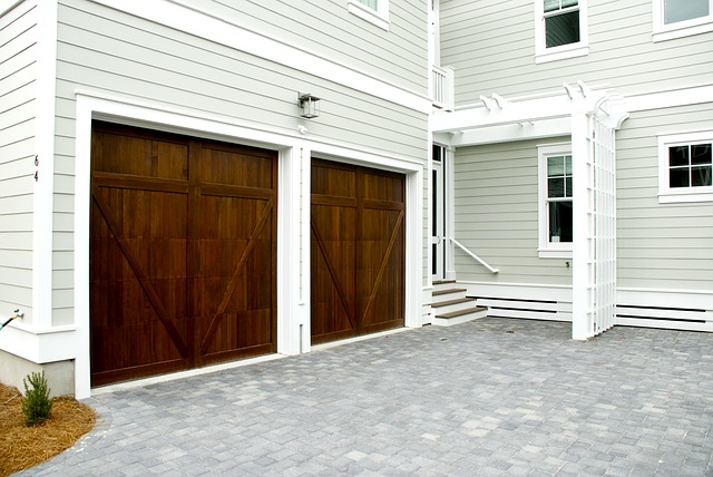 garážová vrata dřevěná varianta